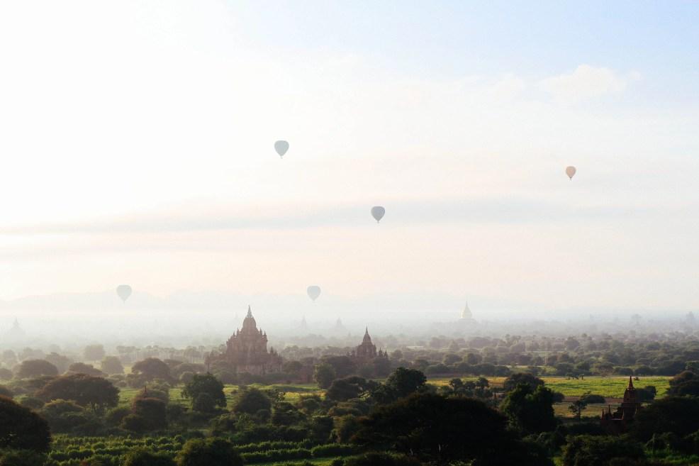 Instagrammable places in Myanmar, Hot Air baloon in Bagan