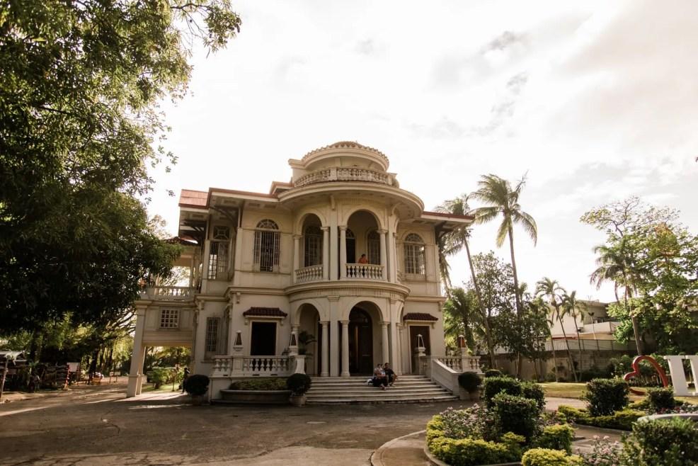 things to do in iloilo, iloilo tourist spots, what to do in iloilo, where to stay in iloilo, what to eat in iloilo, iloilo itinerary, iloilo city travel guide, Molo Mansion