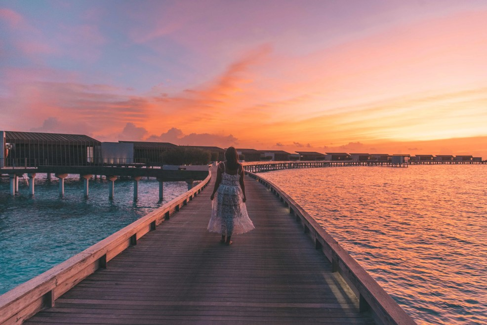 Sunset in Mladives, things to know before visiting Maldives