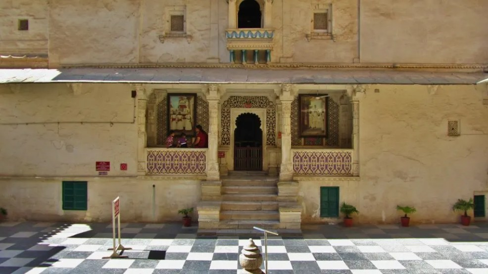 Udaipur travel guide, things to do in Udaipur,, Bagore Ki Haveli
