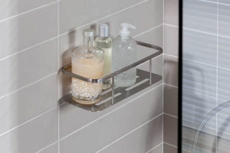 Contenedor de champús y geles INOX de la marca Girardi de Grup Gamma para baños seguros para niños.