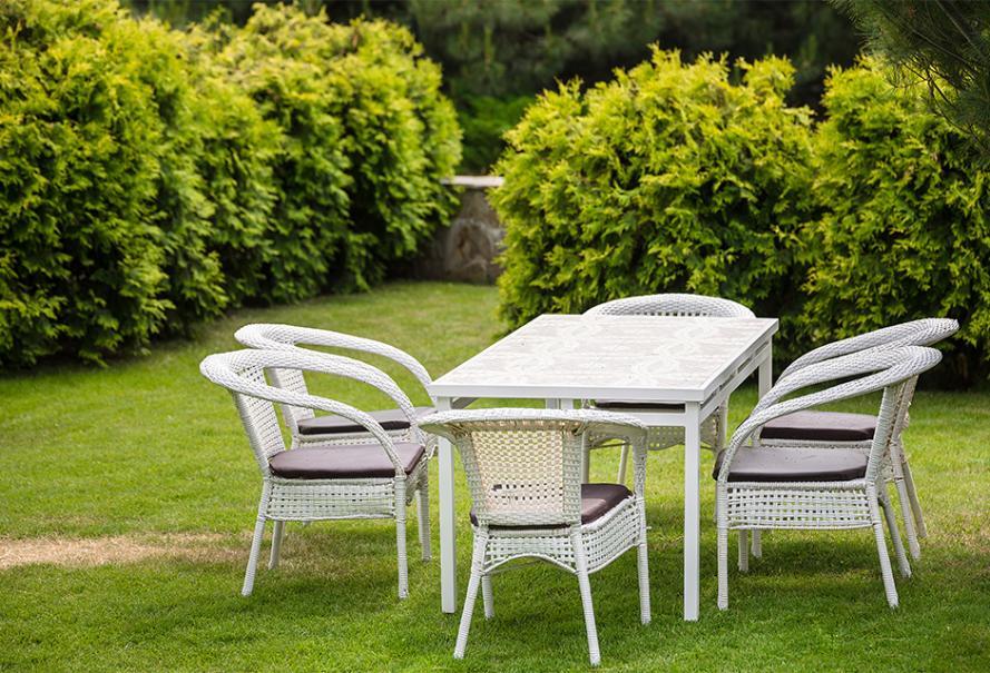 le salon de jardin en resine blanc