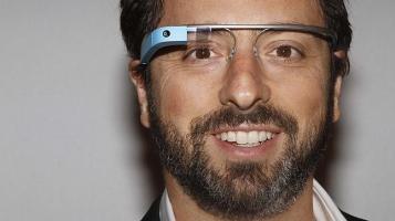 Sergey Brin con indosso i Google Glass
