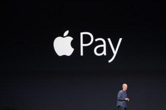 Tim Cook alla presentazione del nuovo sistema di pagamento Apple Pay