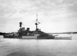 """le navire """"Repulse"""" quitte Singapour et part en guerre le 8 decembre contre les japonais, et se fera abattre deux jours plus tard... champion"""