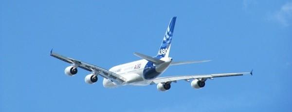 aircraft-86450_640