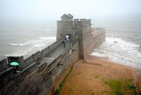 Extemite Est de la muraille!! Photo de : http://hitek.fr/bonasavoir/extremite-muraille-chine_635