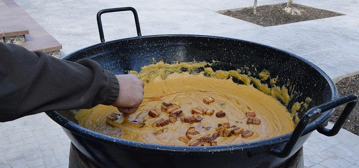 "Las gachas, plato tradicional manchego - ""Gachas"", traditional shepper gastronomy"