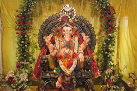 Ganesh Chaturthi   Important How To s   Perform Ganesh Staphna You can sing Jai Ganesh Jai Ganesh and Sukh Karta Dukh Harta