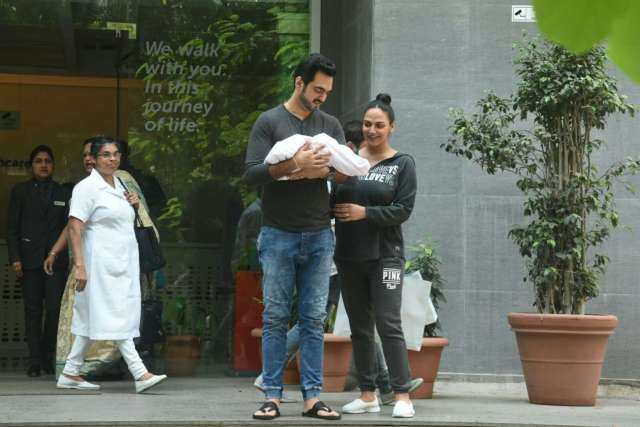 Esha Deol and Bharat Takhtani Blessed with a Baby Girl