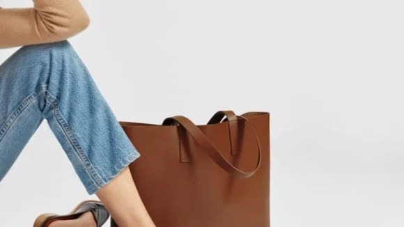 best-gifts-for-mom-2018-everlane-day-market-tote