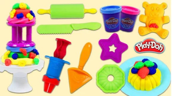 Gifts for kids 2018 Playdoh Frost n' Cakes Playset