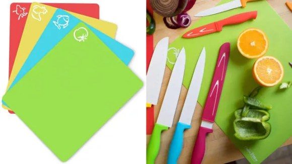Keep your meal prep sanitary with ingredient-specific cutting mats that fit into any luggage.