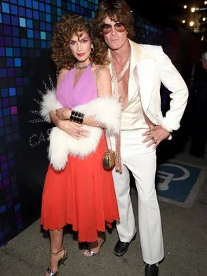 Cindy Crawford and Rande Gerber also with the retro,
