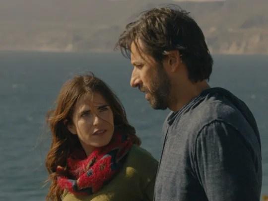 Will Daniel (José María Yazpik) and Clara (Karla Souza)