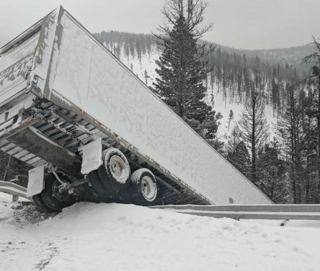 Its Crazy Theyre Not Dead After Rogers Pass Semi Truck Wreck