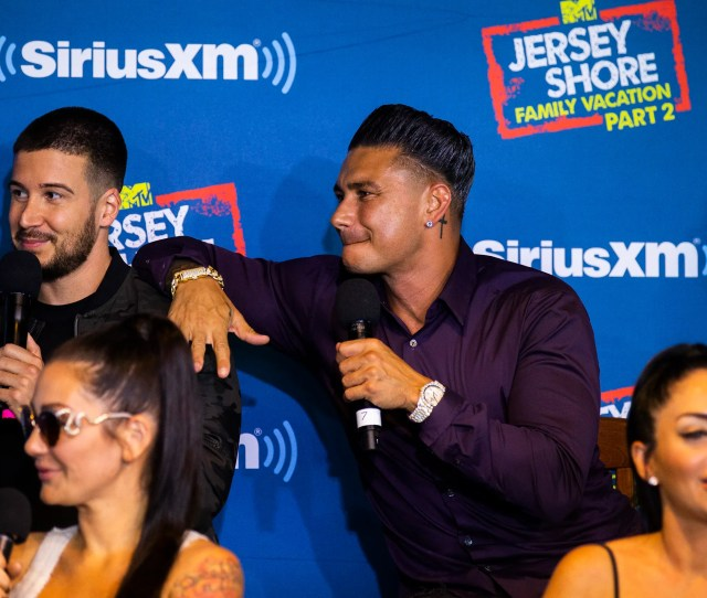 Cast Members Of Mtvs Jersey Shore Family Vacation