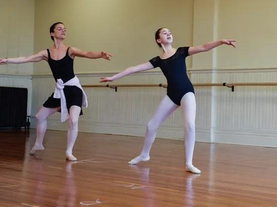 Resultado de imagen para beautiful ballet teacher