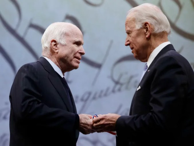 Sen. John McCain receives the Liberty Medal from Chair