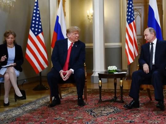 Russian President Vladimir Putin (R) and US President