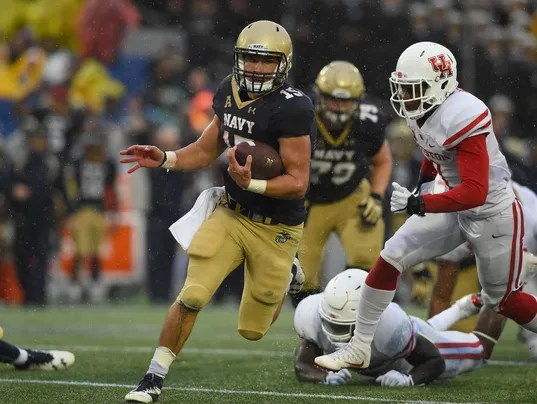 Navy sinks and shocks Houston 46-40, ending Cougars playoff dreams