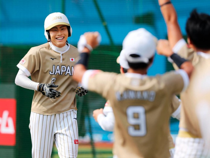 Japan_Women's_Worlds_Softball_27374.jpg