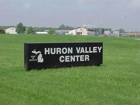 635996148010020593-Women-s-Huron-Valley.jpg
