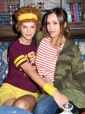 Jessica Alba and Kelly Sawyer channeled 'Juno' while