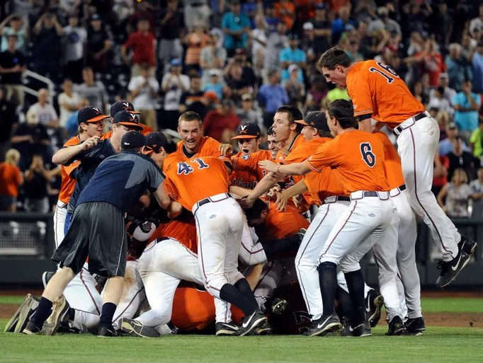 Virginia Cavaliers celebrate after the game against