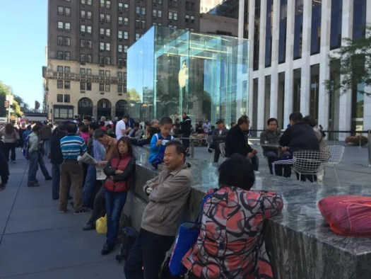 The line at the 5th Avenue Apple Store ahead of the