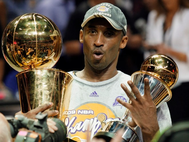 The Lakers gave Kobe Bryant a 4.87 carat diamond retirement ring ... fbc0ba82c