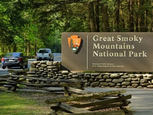 636131441899034143-great-smoky-mountains-national-park-sign.jpg