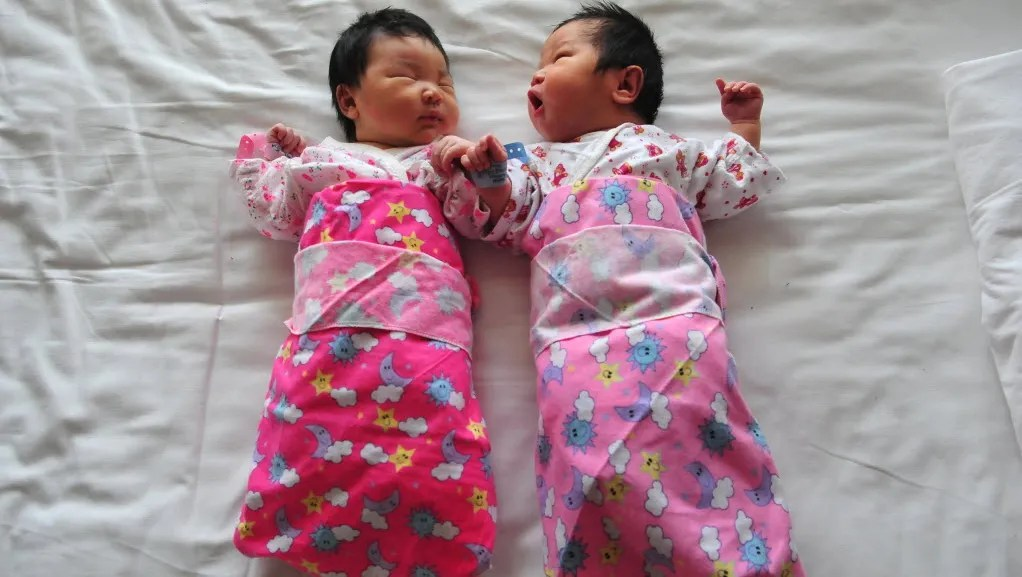China scraps controversial one-child policy; couples can have two