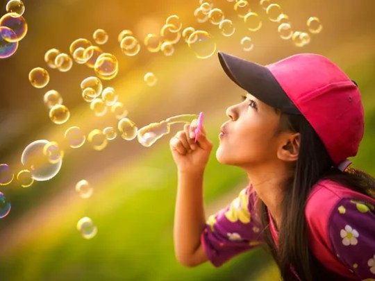 Tempe Marketplace is hosting a Bubble Bash on Saturday,