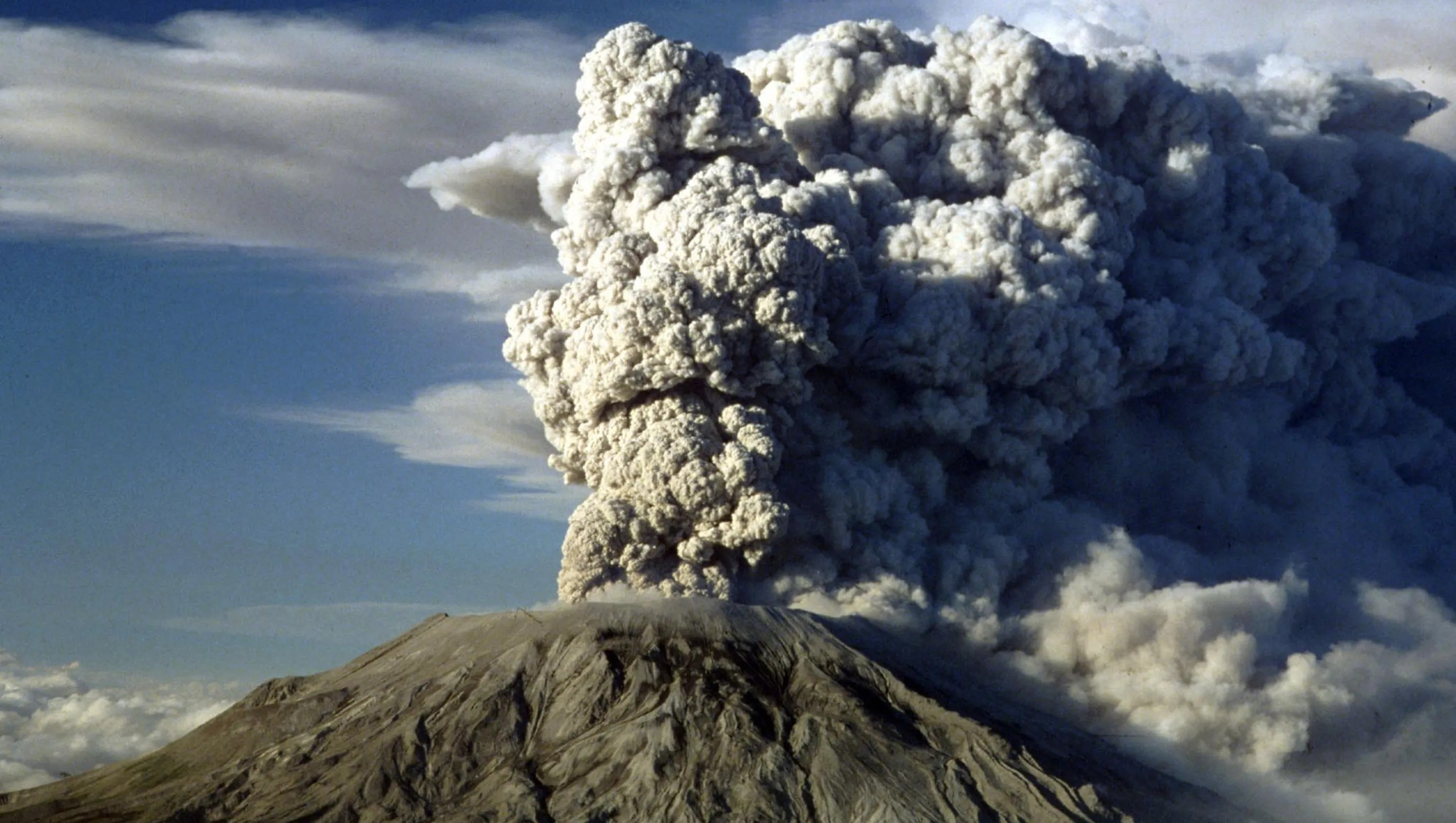 Hawaii Volcano Before Kilauea Us Volcanoes That Recently Erupted
