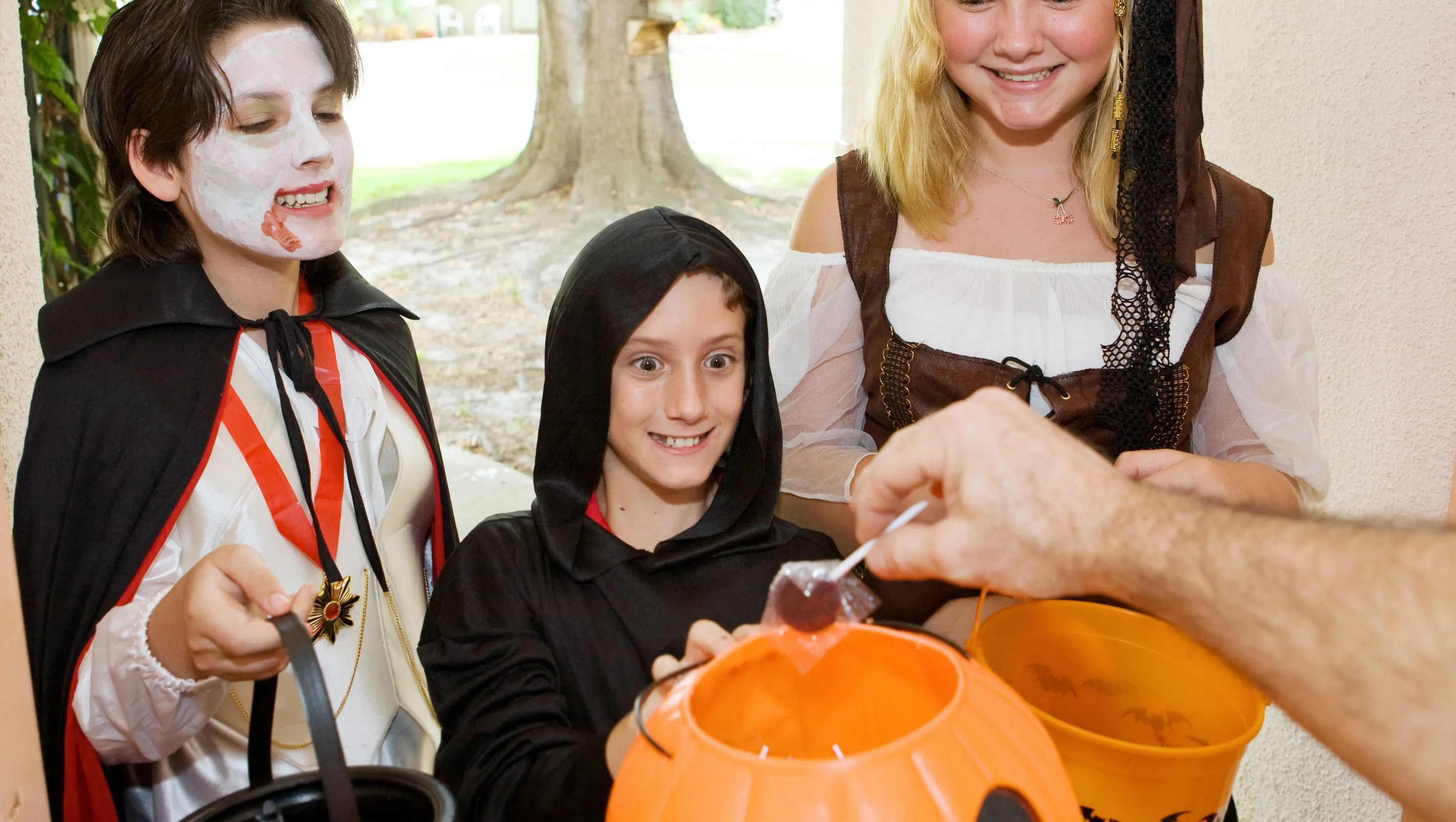 Should Teens Go Trick Or Treating Should You Give Them Candy