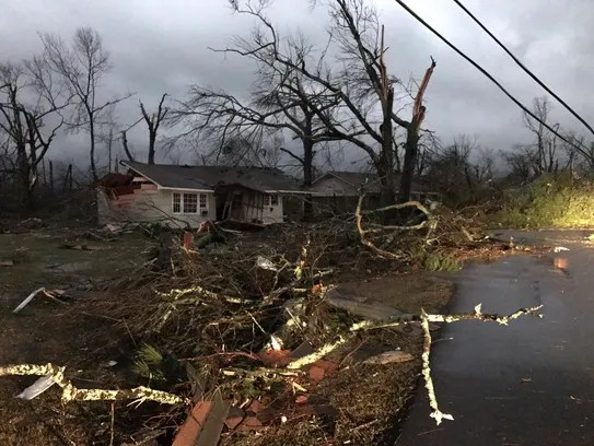 Multiple structures damaged in Hattiesburg, Miss.,