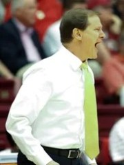 Oregon Ducks head coach Dana Altman.