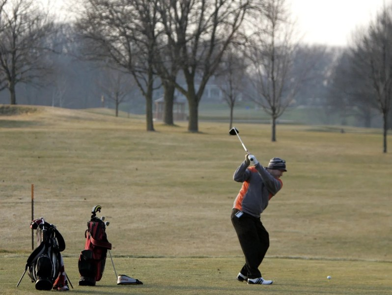 Rain puts New Berlin Hills golf course projects behind