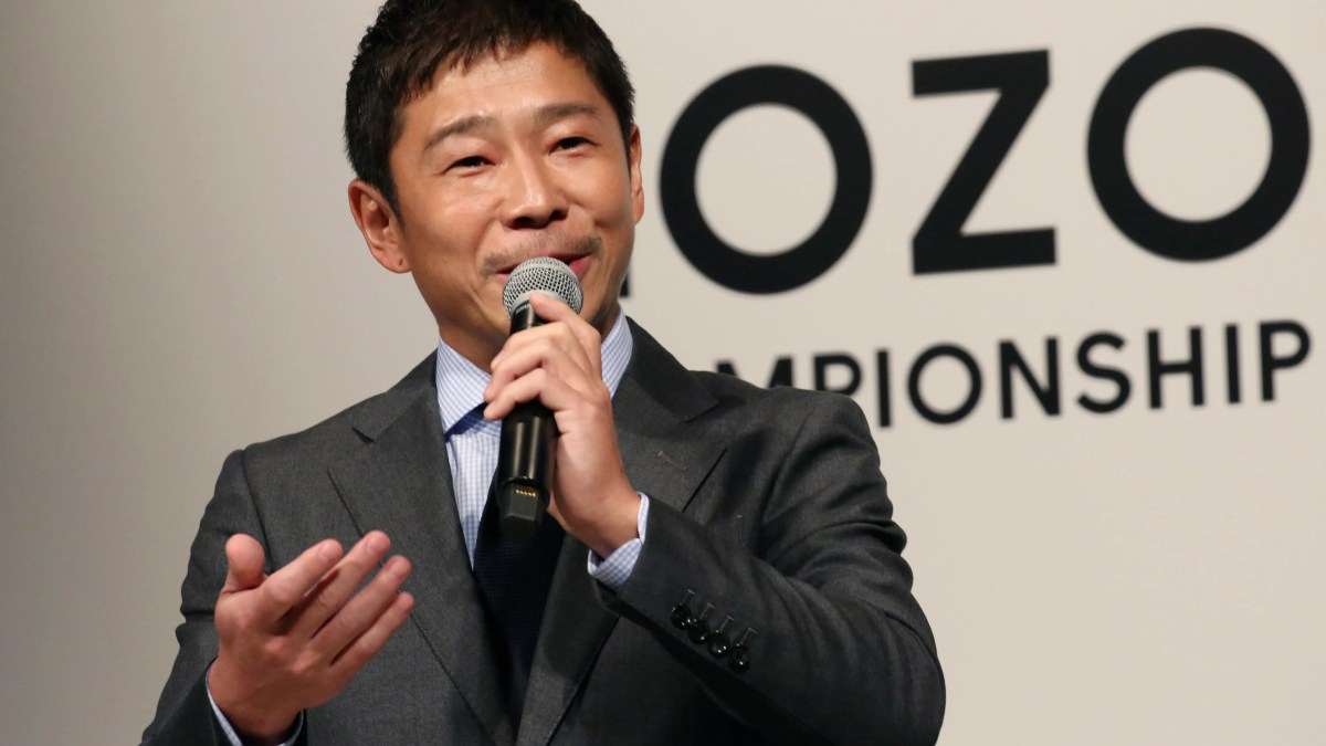 The president of ZOZO Inc., Yusaku Maezawa, speaks during a press conference about the PGA Tour in Tokyo on Tuesday, November 20, 2018.