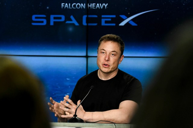 636535568061002659-crb020617-spacex-22- As Elon Musk settled with the SEC, SpaceX briefly found itself in the crosshairs