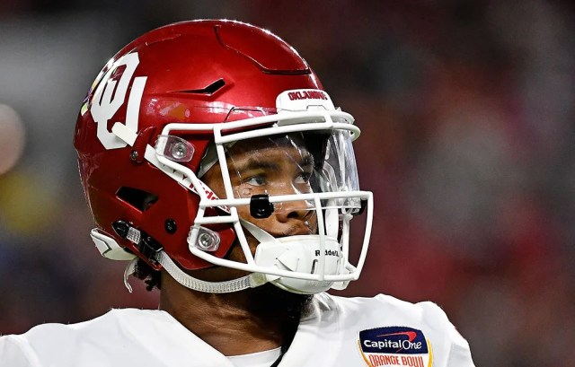 kylermurray This photo of Kyler Murray led to more speculation about his height
