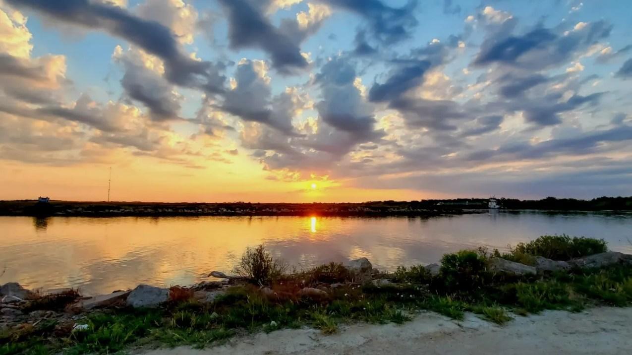 Texas: Matagorda Bay     • Attractions:  Beaches, fishing, seafood restaurants