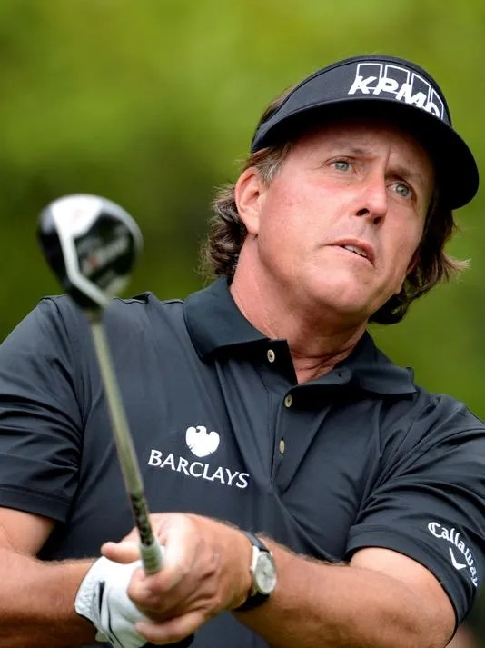 2013-04-14-phil-mickelson-star-down