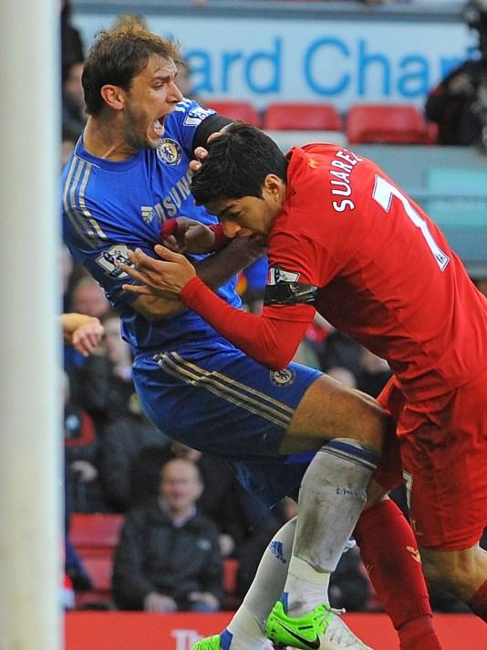 Kết quả hình ảnh cho Suarez bite