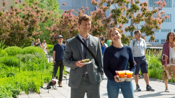 """Glen Powell and Zoey Deutch star as assistants who fall in love while trying to match up their bosses in the Netflix romantic comedy """"Set It Up."""""""