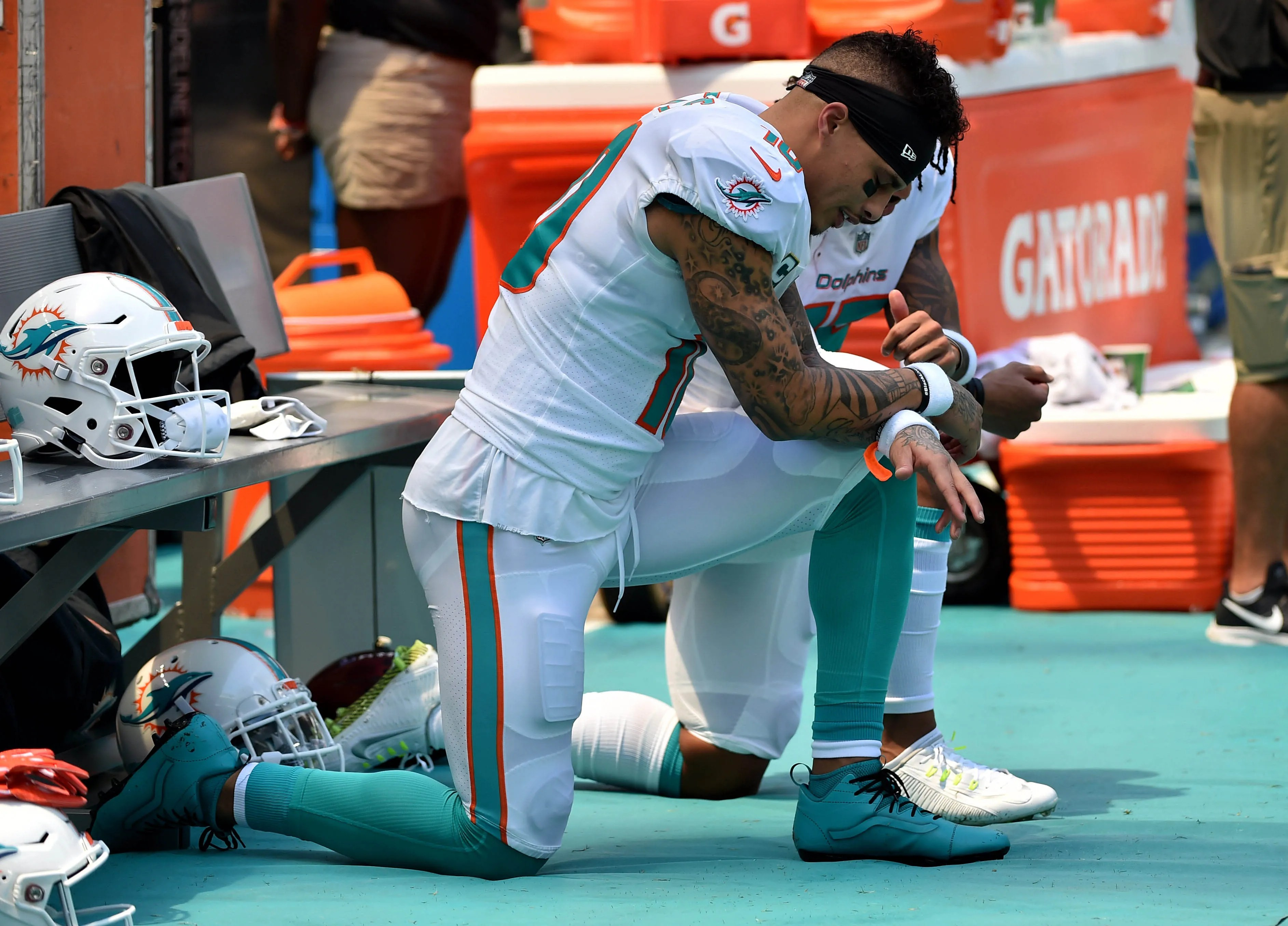 Today Are Players Kneeling Nfl