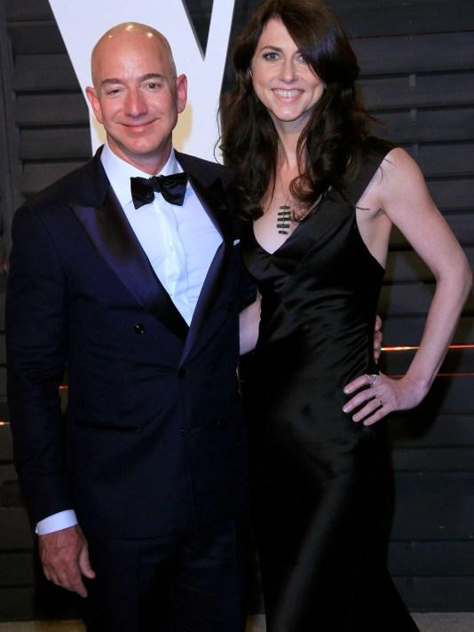 Jeff_and_MacKenzie_Bezos