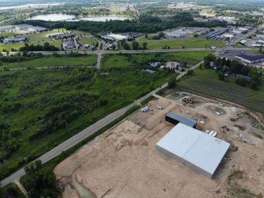 A medical marijuana company named Green Peak Innovations is expected to open on the Creyts and Lansing roads by the end of this year. The company will occupy 25 hectares in the footprint of 131 hectares of Harvest Park.