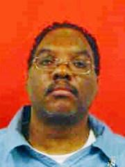 Cette photo non datée fournie par Ohio Department of Corrections montre Lance Mason. Mason, un ancien juge de la région de Cleveland qui a passé neuf mois en prison pour avoir battu sa femme à l'époque, est maintenant soupçonné de meurtre à l'arme blanche ce week-end et devrait être inculpé, ont annoncé les autorités lundi, 19 novembre 2018. ( Département des corrections de l'Ohio via AP) ORG XMIT: CD201